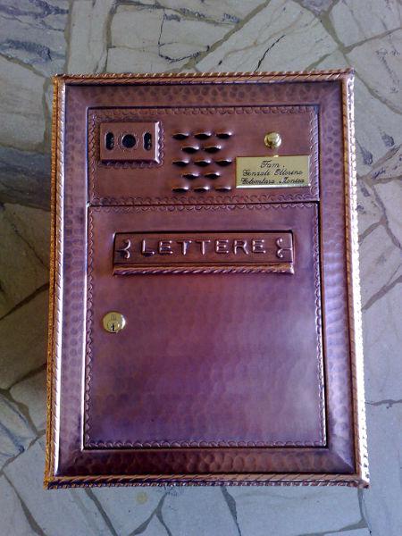 Cassetta postale in rame